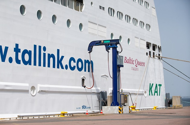 Connecting Tallink Grupp's vessel Baltic Queen to the shore power supply at the Port of Tallinn Old City Harbour. Photos: Raul Mee
